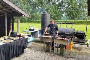 ' BBQ VLEES EN VIS FOODTRUCK